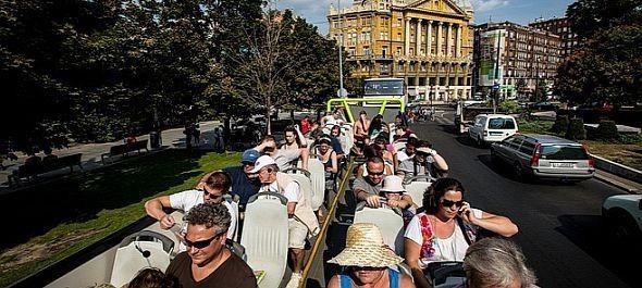 Megkezdik a turistabuszok lipótvárosi behajtásának ellenőrzését