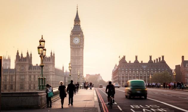 Boris Johnson jövő hétfőn pubba megy, a tervek szerint nyit Nagy-Britannia