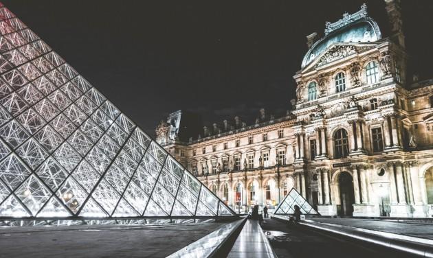 Megsínyli a Louvre a tengerentúli turisták elmaradását