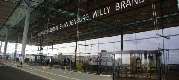 Tovább csúszhat az új berlini repülőtéren átadása