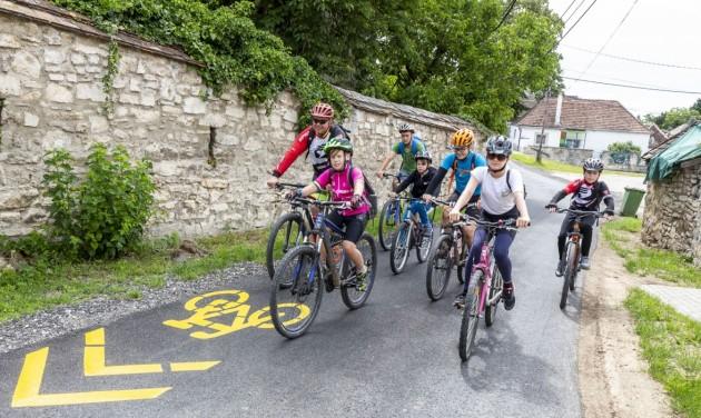Sopronból már minőségi bringaút visz Fertőrákosra