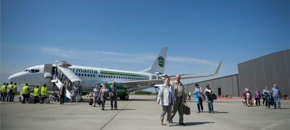 Megérkezett az első idei charterjárat a debreceni repülőtérre