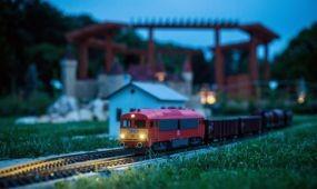 Rekord számú éjszakai látogató a szarvasi Mini Magyarország makettparkban