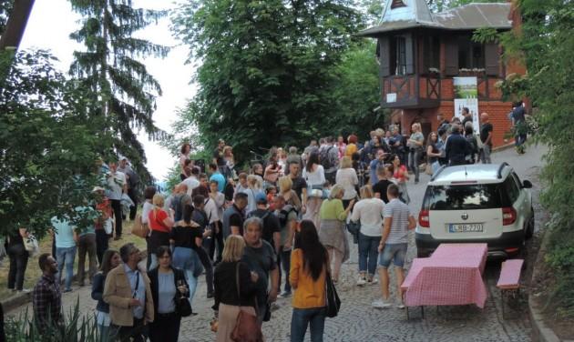 Borangolás pincéről-pincére Miskolcon