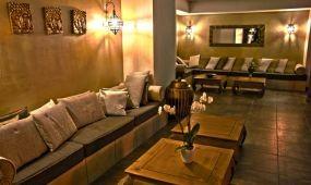Indián nyár a Hotel Caramellben****