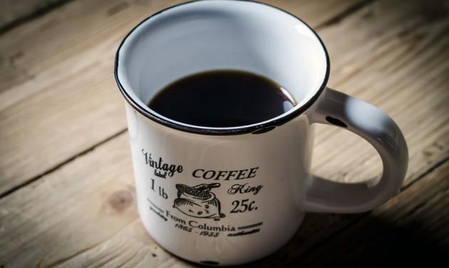 A kávé mellé vegyen széket is!
