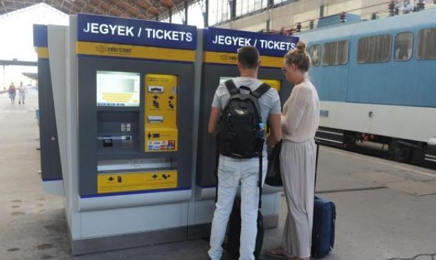 Új funkciókkal bővültek a MÁV-START jegykiadó automatái