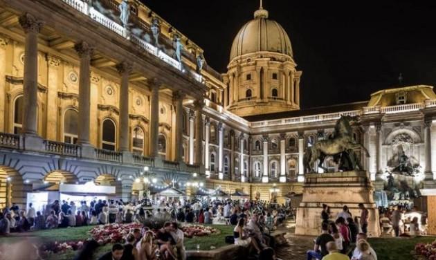 Színes kísérő programok a budavári borfesztiválon