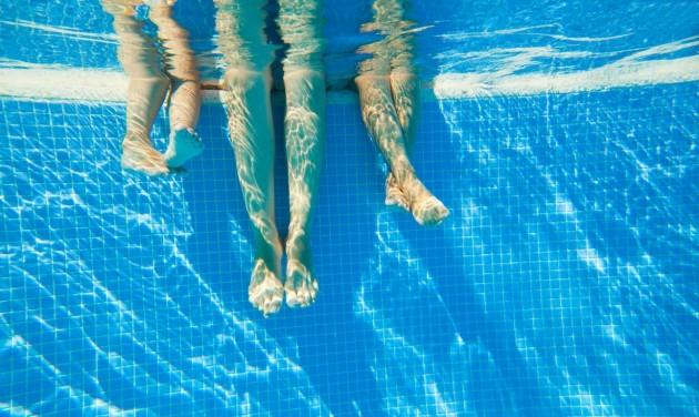Fürdőkorlátok: 4 nm víz, 16 nm szabad tér egy emberre