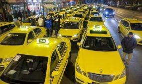Taxistüntetés: a Taxisszakszervezet szerint az Uber nem működik jogszerűen