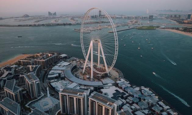 Felszerelték a dubaji óriáskerék első utaskapszuláját