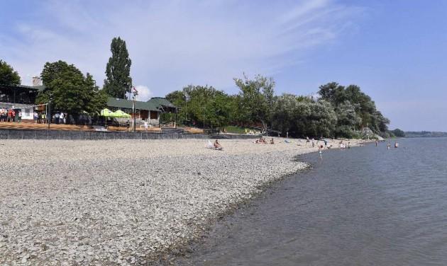 Átadták a felújított verőcei strandot