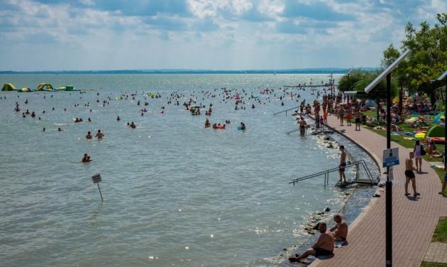 Júniusi vendégforgalom: a tavalyi negyede