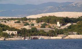 Eladó az egykori jugoszláv börtönsziget, Goli otok