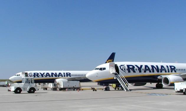 Az alacsony jegyárak miatt csökkent a Ryanair nyeresége