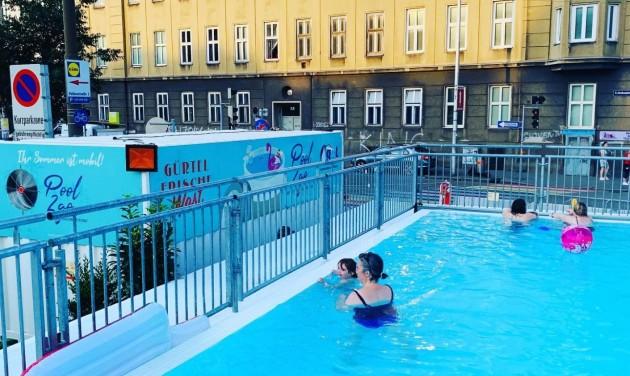 Pop-up medence és buszhotel Bécsben