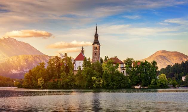 Szlovénia megnyitja határait, hivatalosan vége a koronavírus-járványnak