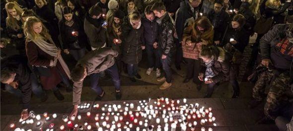 Külügy: aki teheti, halassza el párizsi útját