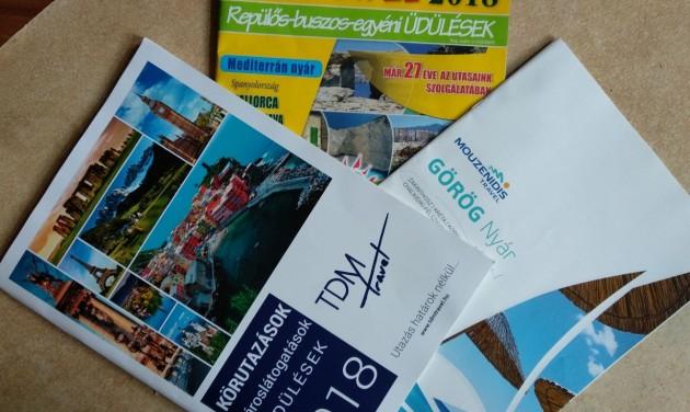Három utazási iroda katalógusbemutatója