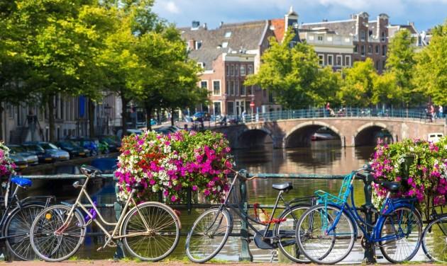 Mostantól korlátozások nélkül utazhatunk Hollandiába