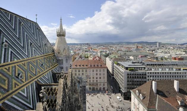 Nézzen be a szőnyeg alá a bécsi Stephansplatzon!