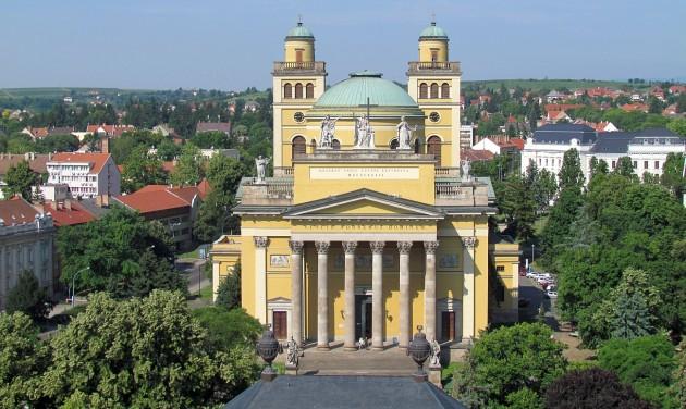 Megújul az egri bazilika és környéke
