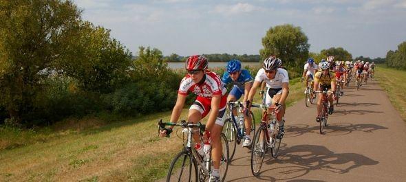 Kerékpáros konferencia a Tisza-tónál