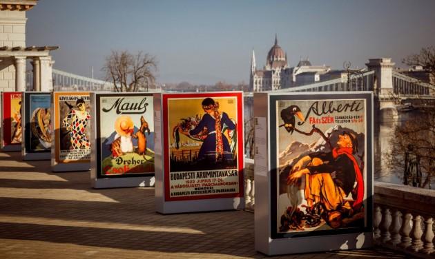 Különleges szabadtéri plakátkiállítás a Várkert Bazár teraszán