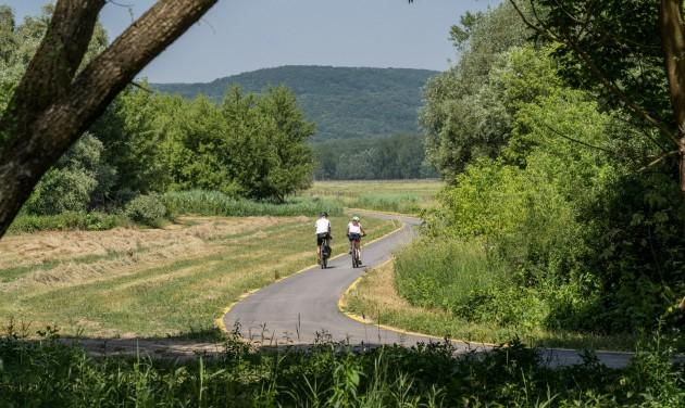 Bicikliúton tekerhetünk már Budapesttől egészen Ipolydamásdig