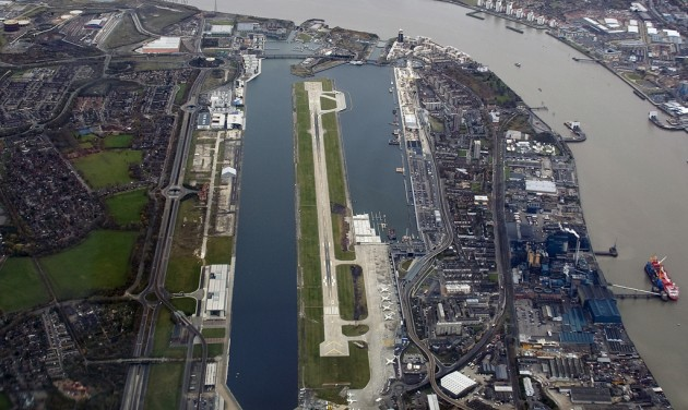 Egy napra lezárták a londoni City repteret