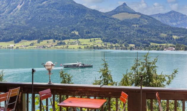Nem szolgál ki oltottakat egy osztrák kávézó