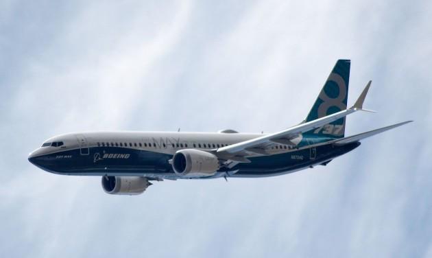 Mélyrepülésben a Boeing