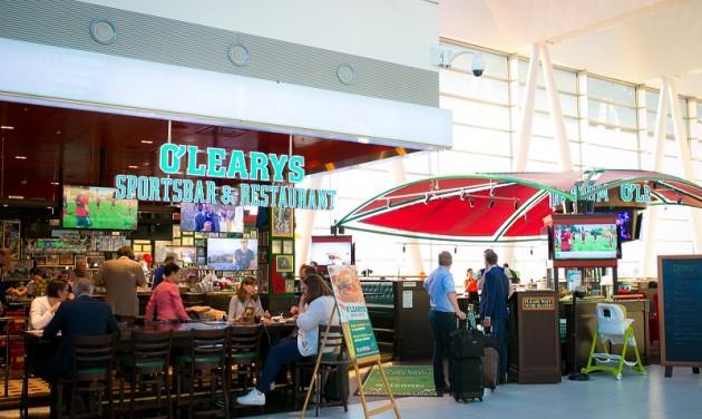 Szurkolói menü és bostoni hangulat a reptéren