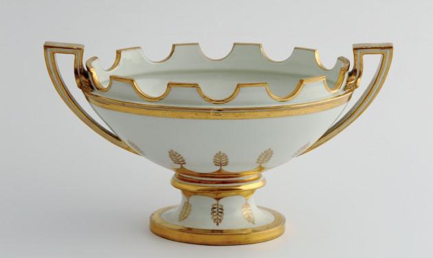 """Terítéken a """"fehér arany"""" – kastélyok, paloták, porcelánok"""
