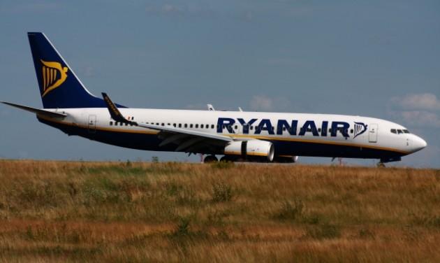 Félrevezeti a fogyasztókat a Ryanair a járattörlésekkel kapcsolatban