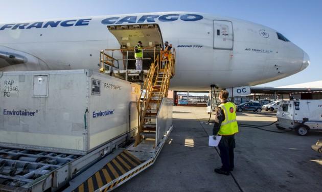A párizsi CDG repülőtér készen áll a vakcinák szállítására
