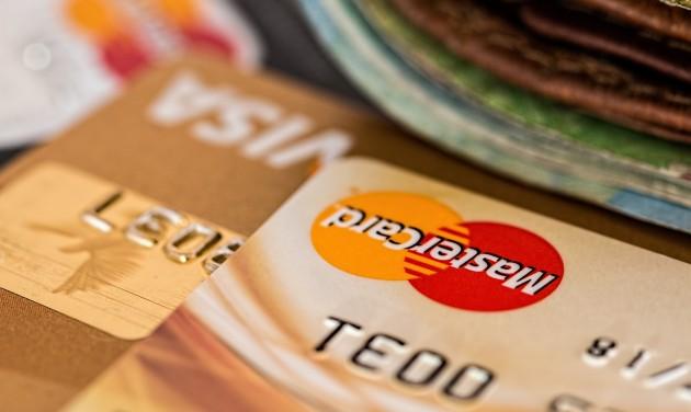 Gigabírságot szabott ki a Mastercardra az EU
