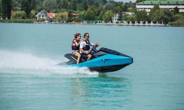 Elektromos jetskik jöhetnek a Balatonra?