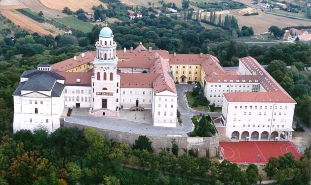 Kerékpárút épül Győr és Pannonhalma között