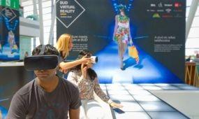 Virtuális divatbemutató a repülőtéren