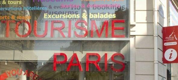 Párizs beleerősít