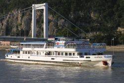 Kirándulóhajóval Szentendrére és a Dunakanyarba