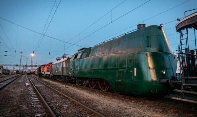 Különleges vasúti járművek érkeztek a Közlekedési Múzeumba
