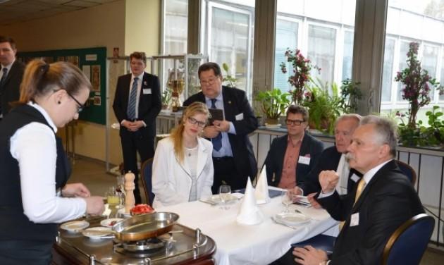 Euroskills szakács- és pincérválogató verseny a Gundelben