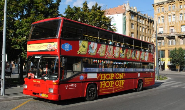 Három pályázat érkezett a buszos városnézésre kiírt tendere