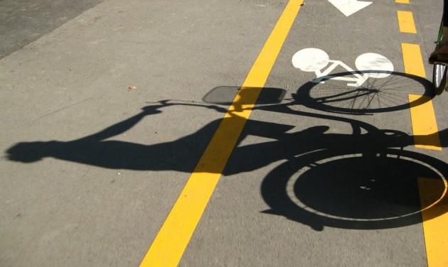 Kerékpárút épül Eger déli részén