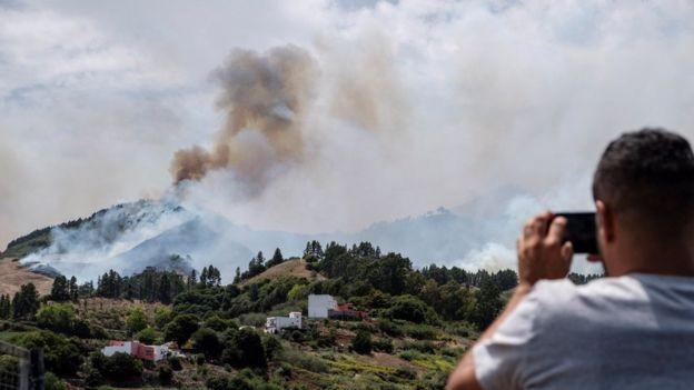 Erdőtűz: 9000 embert kellett kitelepíteni Gran Canarián