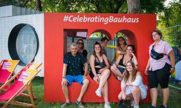 Bauhaus-házikó a Szigeten