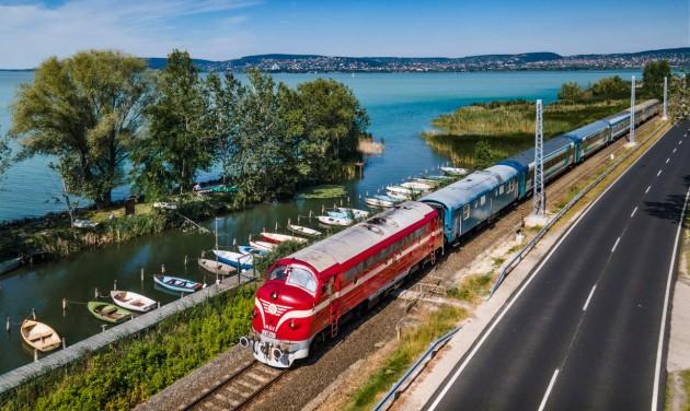 Már több mint egymillióan vonatoztak a Balatonhoz ezen a nyáron