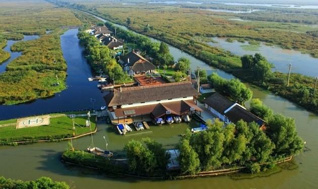 Eladó luxusüdülő a Duna-delta védett övezetében